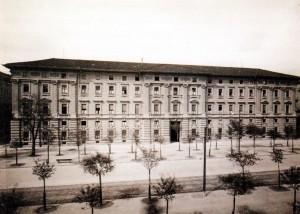 Veduta dall'alto del prospetto principale della Scuola di Guerra, 1930 ca.