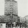 Edificio per residenze e terziario a lastra e torre. Fotografia da: Beni culturali ambientali nel Comune di Torino, 1984, p. 412.