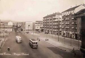 Piazza Chironi con cinema Star, cartolina, anni Cinquanta del Novecento. Collezione Luca Davico