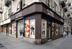 Floreiza, abbigliamento, ex Bergallo arredamenti, già sede di farmacia