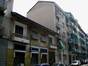 Edificio a uso abitazione e laboratorio in via Vibò 16