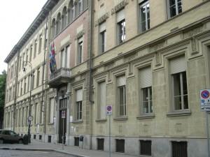 Sede della circoscrizione 1 e del corpo di polizia municipale, già scuola professionale Clotilde di Savoia