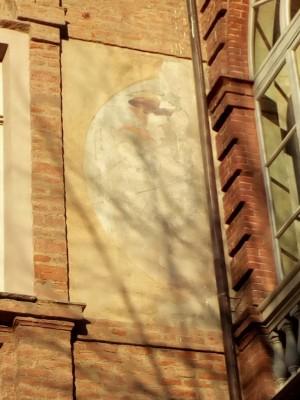Orologio solare, Castello del Valentino. Fotografia del 2020