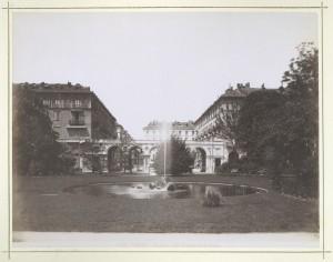 Piazza Carlo Felice. Fotografia Brogi. © Archivio Storico della Città di Torino