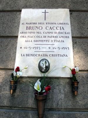 Lapide dedicata a Bruno Caccia (1925 - 1945)