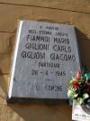 Lapide dedicata a Mario Fiammoi, Carlo Giglioni, Giacomo Giglioni