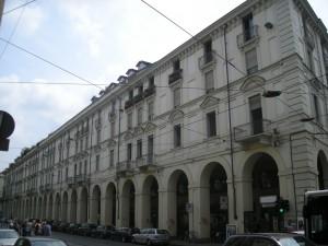 Edificio di civile abitazione in via Po 22