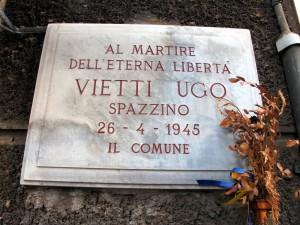 Lapide dedicata a Ugo Vietti