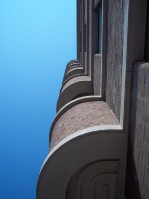 Antonio Pogatschnig, Casa Riva, 1932. Particolare dei balconi. Fotografia L&M, 2011.