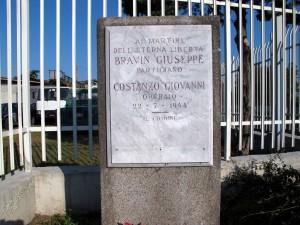 Lapide dedicata a Costanzo Giovanni (1893 - 1944), Bravin Giuseppe (1922 - 1944)