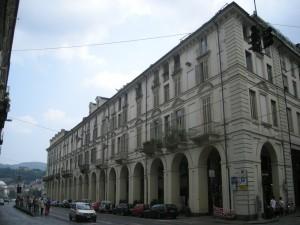 Edificio di civile abitazione Via Po 46-52. Fotografia di Daniele Trivella, 2013
