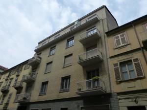 Edificio di civile abitazione via Filiberto Pingone di Cusy 3