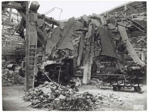 FIAT Autocentro - Stabilimento di Mirafiori. Effetti prodotti dal bombardamento dell'incursione aerea del 20-21 novembre 1942. UPA 2202_9B06-37. © Archivio Storico della Città di Torino