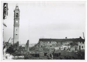 Chiesa Madonna di Campagna, Via Cardinale Massaia 98. Effetti prodotti dai bombardamenti dell'incursione aerea dell'8-9 dicembre 1942. UPA 2811D_9D01-15. © Archivio Storico della Città di Torino