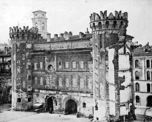 La Porta Palatina dopo la demolizione degli edifici addossati e i restauri della seconda metà del XIX secolo, © Soprintendenza per i Beni Archeologici del Piemonte e del Museo Antichità Egizie.