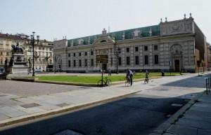 Biblioteca Nazionale Universitaria da via Principe Amedeo. Fotografia di Edoardo Vigo, 2012.