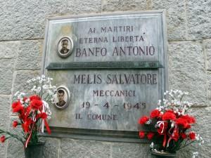 Lapide dedicata ad Antonio Banfo e Salvatore Melis