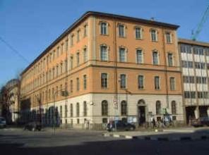 Veduta angolare dell'edificio. © Archivio della scuola elementare Pellico.