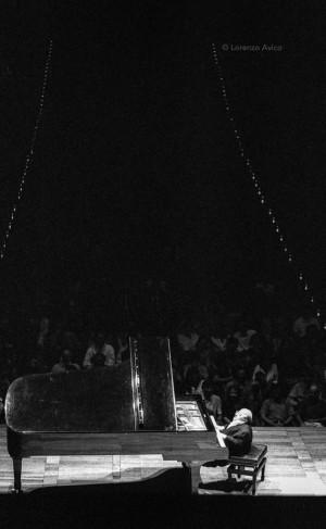 SettembreMusica 1997, Michel Petrucciani all'Auditorium Giovanni Agnelli Lingotto. Fotografia di Lorenzo Avico 10.09.1997. Archivio fotografico MITO SettembreMusica - Archivio Storico della Città di Torino