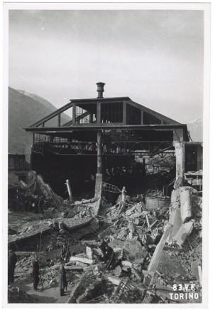 Villar Perosa (Torino) s.l. Stabilimento RIV. Effetti prodotti dai bombardamenti dell'incursione aerea del 3 gennaio 1944. UPA 4315_9E05-10. © Archivio Storico della Città di Torino/Archivio Storico Vigili del Fuoco