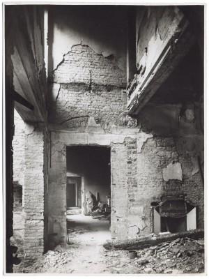 Via Stampatori, Palazzo Balbo Bertone di Sambuy. Effetti prodotti dai bombardamenti dell'incursione aerea del 20-21 novembre 1942. UPA 1793_9B01-23. © Archivio Storico della Città di Torino
