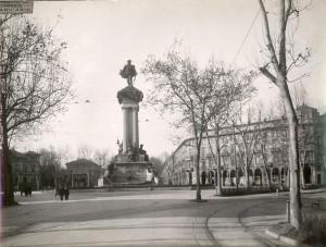 Pietro Costa, Monumento a Vittorio Emanuele II, 1882-1899. Fotografia di Mario Gabinio, 1923-1924. © Fondazione Torino Musei.