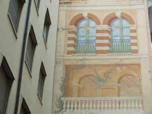 Via Barbaroux 9, 11, dettaglio del dipinto murale sull'edifico di via Barbaroux 11. Fotografia di Paola Boccalatte, 2013. © MuseoTorino