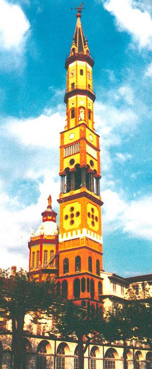 Il campanile della chiesa di Nostra Signora del Suffragio. Cartolina.