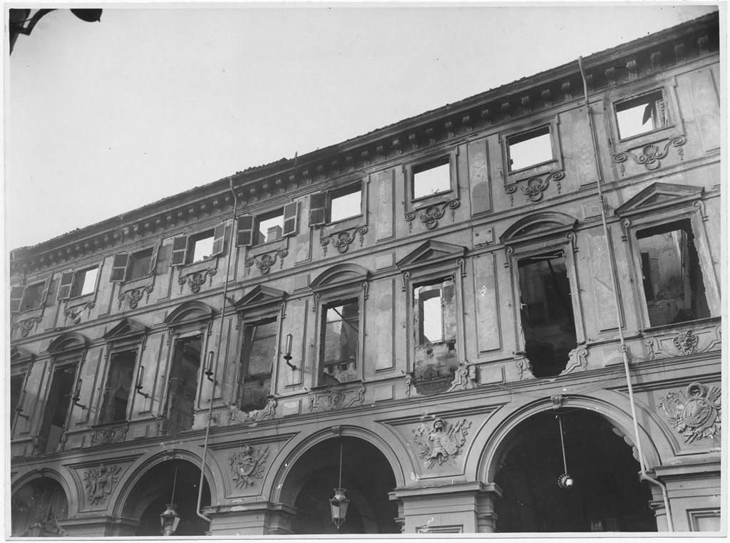 Palazzo avogadro di collobiano gi villa di villastellone for Palazzo villa torino