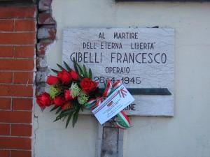 Lapide dedicata a Francesco Gibelli, in via Ala di Stura 99. Fotografia di Alessandro Vivanti, 2018
