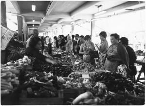 Mercato di via Madama Cristina © Archivio Storico della Città di Torino (ASCT, Fototeca, 12B16_096)