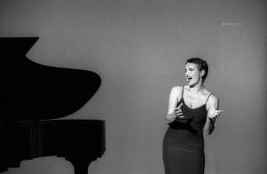 SettembreMusica 2001, Maddalena Crippa al teatro Carignano. Fotografia di Lorenzo Avico 05.09.2001. Archivio fotografico MITO SettembreMusica - Archivio storico della città di Torino