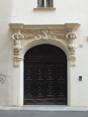 Piazzetta Università dei Maestri Minusieri, portale. Fotografia di Paola Boccalatte, 2013. © MuseoTorino