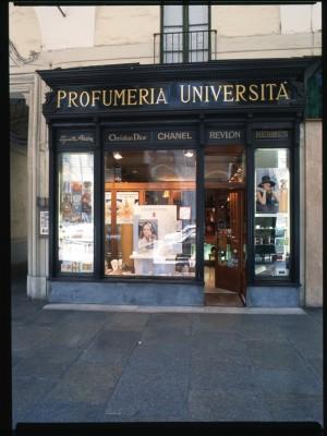 Profumeria dell'Università, Devanture, 1998 © Regione Piemonte