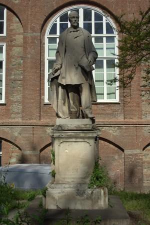 Monumento a Giuseppe Consul