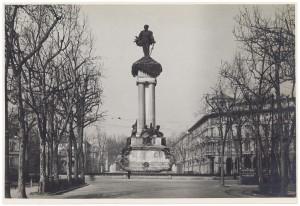 Pietro Costa, Monumento a Vittorio Emanuele II, 1882-1899. Fotografia di Giancarlo Dall'Armi, 1911-1928. © Archivio Storico della Città di Torino