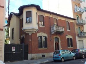 Edificio di civile abitazione - Via Domodossola 15