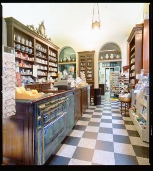 Farmacia Montanaro-Bacolla, interno, 1998 © Regione Piemonte