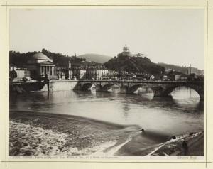 Veduta del ponte Vittorio Emanuele I e della chiesa della Gran Madre di Dio. Fotografia Brogi. © Archivio Storico della Città di Torino.