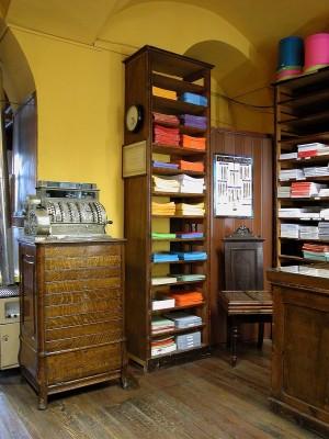 Levi Aprile, cartoleria, interno, Fotografia di Marco Corongi, 2003 ©Politecnico di Torino