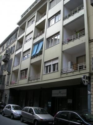 Edificio di civile abitazione gìà laboratorio e abitazione in Via Bidone 19
