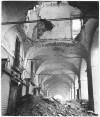 Via Po, portici. Dicembre 1942. Danni prodotti dai bombardamenti. UPA 9F01-35. © Archivio Storico della Città di Torino
