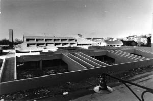 Cascina La Marchesa, scuola in costruzione. Fotografia dell'ASCT, 1977 ©Archivio Storico Città Torino (GDP sez.I 1426F_014)