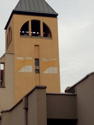 Orologio solare, Chiesa Santa Monica