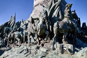 Davide Calandra, Monumento ad Amedeo di Savoia duca d'Aosta (gruppo scultoreo alla base), 1902. Fotografia di Mattia Boero, 2010. © MuseoTorino.