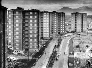 Case per famiglie, quartiere Vallette, viale dei Mughetti, 1957 © Archivio Storico della Città di Torino