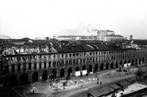 Piazza San Carlo, fine anni Quaranta © Archivio Storico della Città di Torino (NAF 12_147)