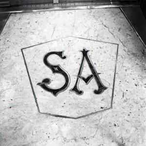 ex Acchito, video-stereo; ex Angelo Sciamengo, pasticceria, particolare della soglia, 1998 © Regione Piemonte