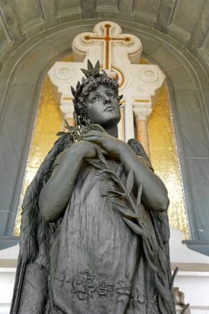 23 AIII Odoardo Tabacchi scultore (1831-1905), Tomba Mazzonis, (Arcata 7). Fotografia di Roberto Cortese, 2018