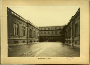 Regio Museo Industriale, secondo cortile. Da R. Museo Industriale Italiano. Torino, C. Favale e Compagnia, Torino s.d. (1871). Torino, Biblioteche Civiche